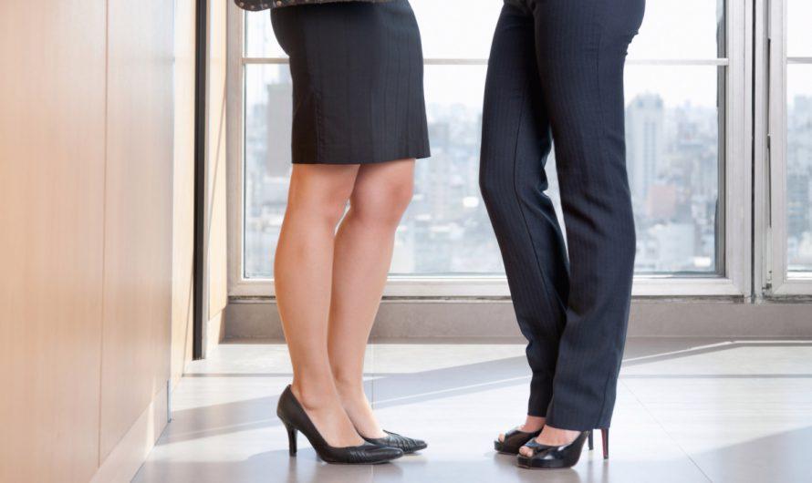 Sukienki damskie kontra spodnie